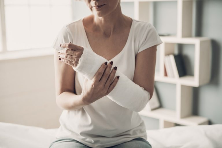 woman with an injured arm