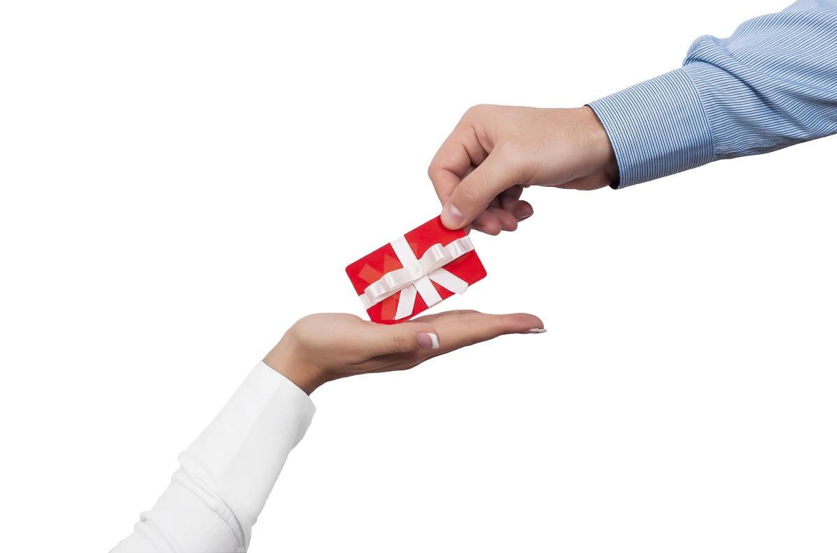 giving a gift card