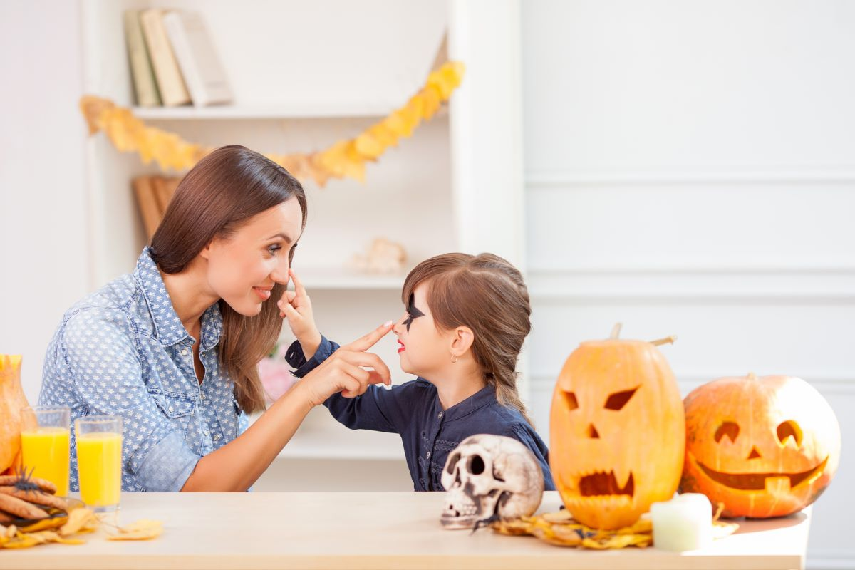 woman and toddler halloween